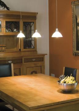 Mamadon-Tisch